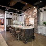 traditional-kitchen-cabinets 38